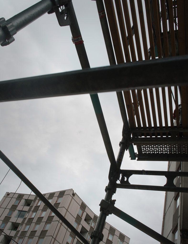 Mera byggnadsställningar